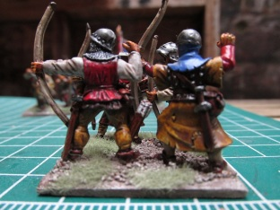 (L) Front Rank Archer (R) GW 6th Ed plastic archer